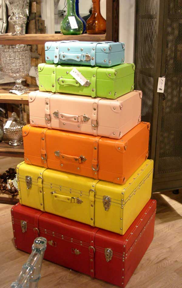 old-suitcases-decor-hdi-1