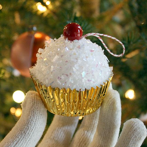 25_Cupcake-Ornaments