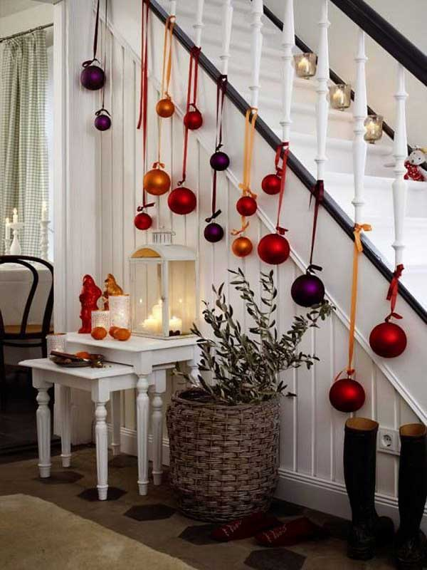 Christmas-Staircase-02