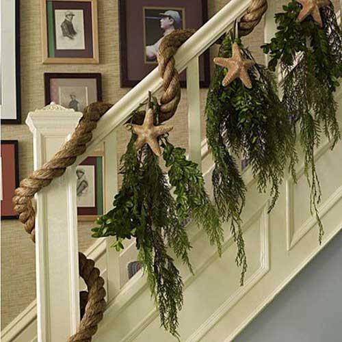 Christmas-Staircase-03