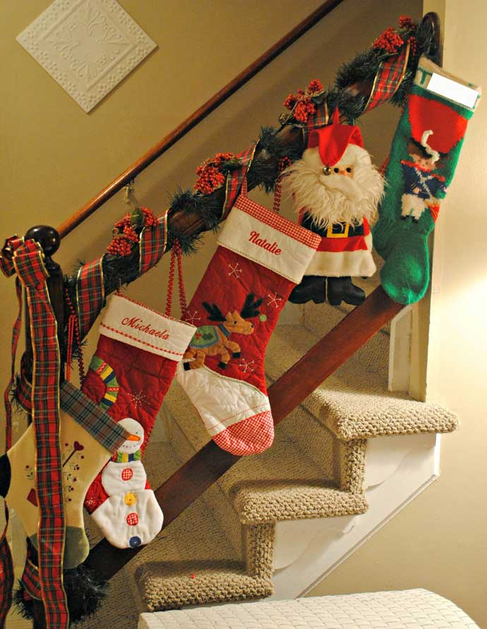 Christmas-Staircase-04