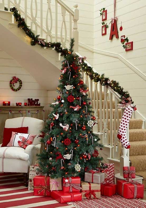Christmas-Staircase-06