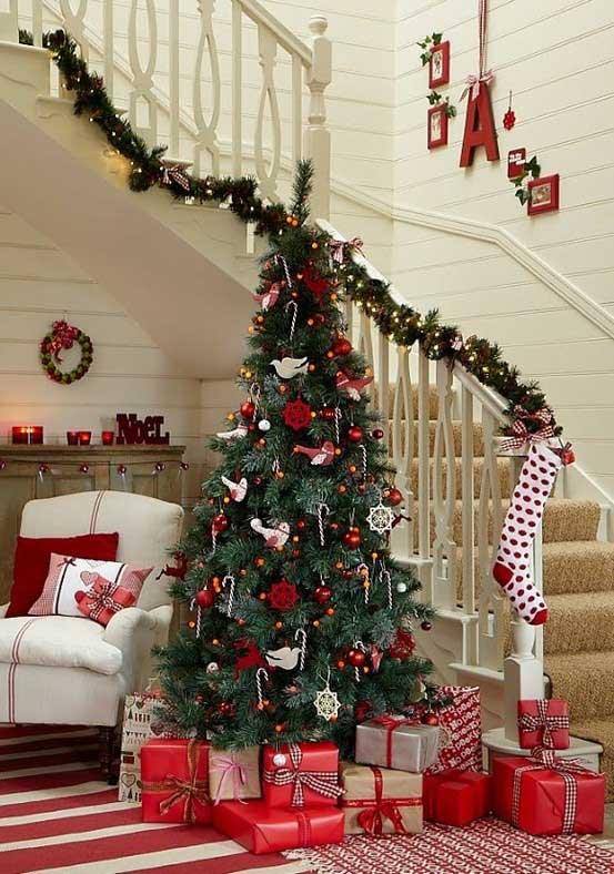 Christmas-Staircase-06