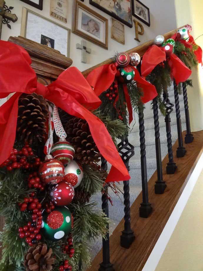 Christmas-Staircase-15