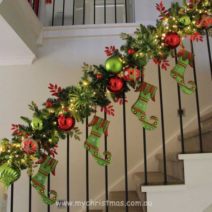Christmas-Staircase-17