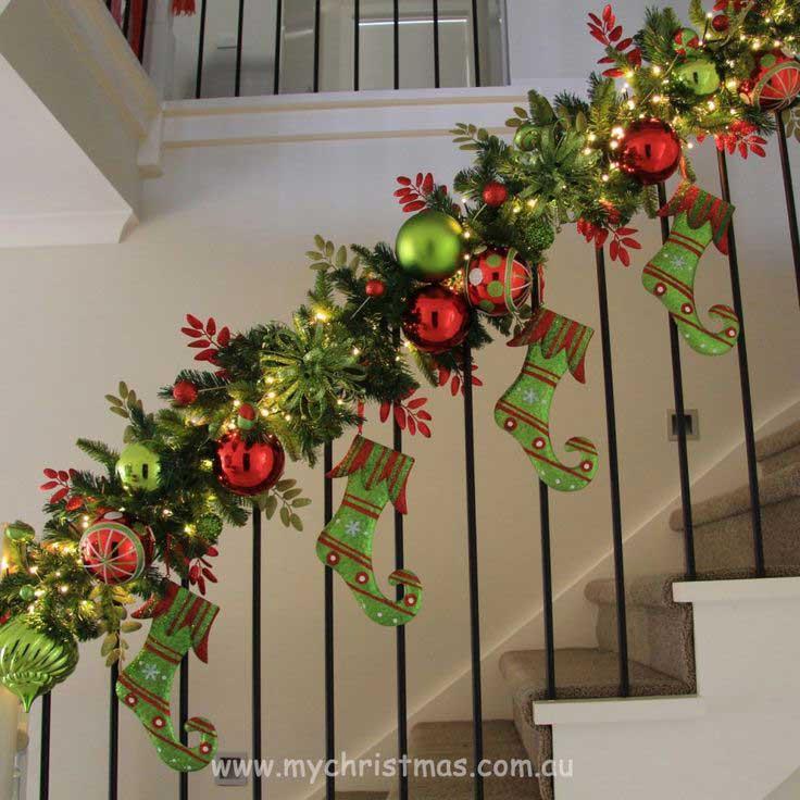 Christmas-Staircase-17