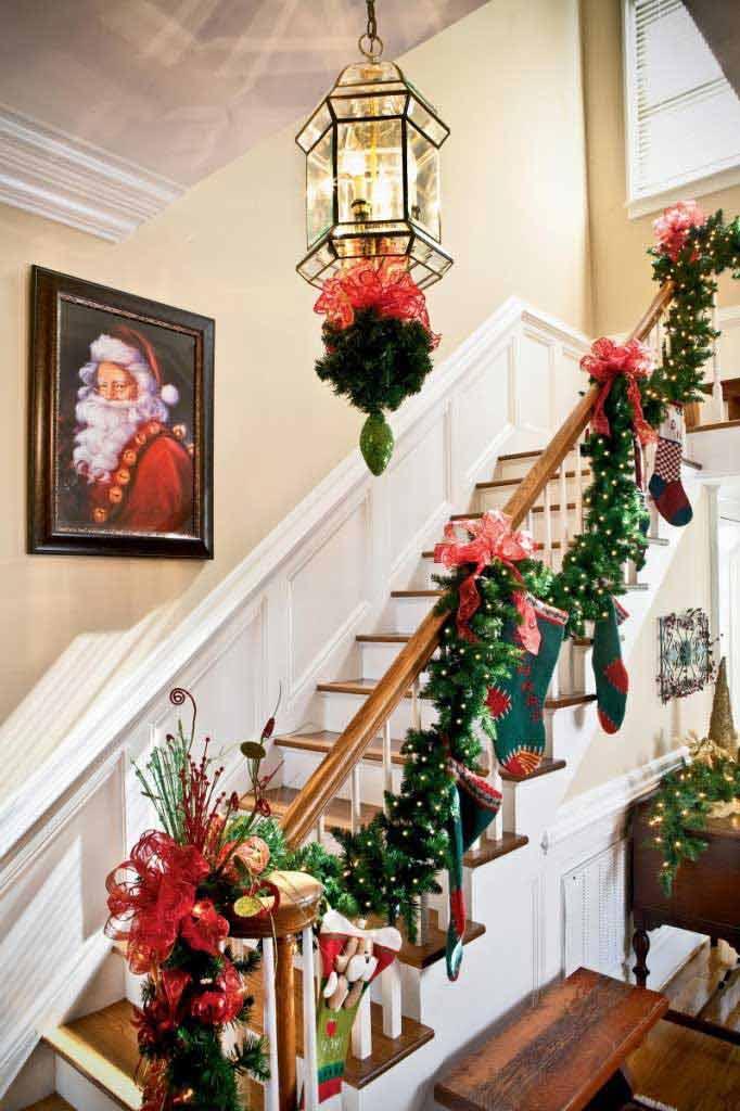 Christmas-Staircase-20