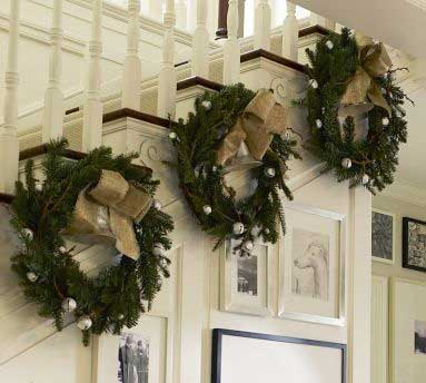 Christmas-Staircase-21