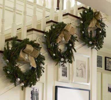 Christmas-Staircase-21