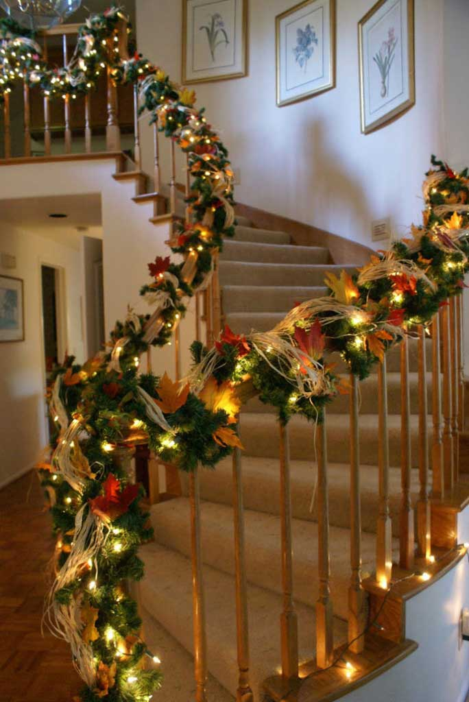 Christmas-Staircase-24