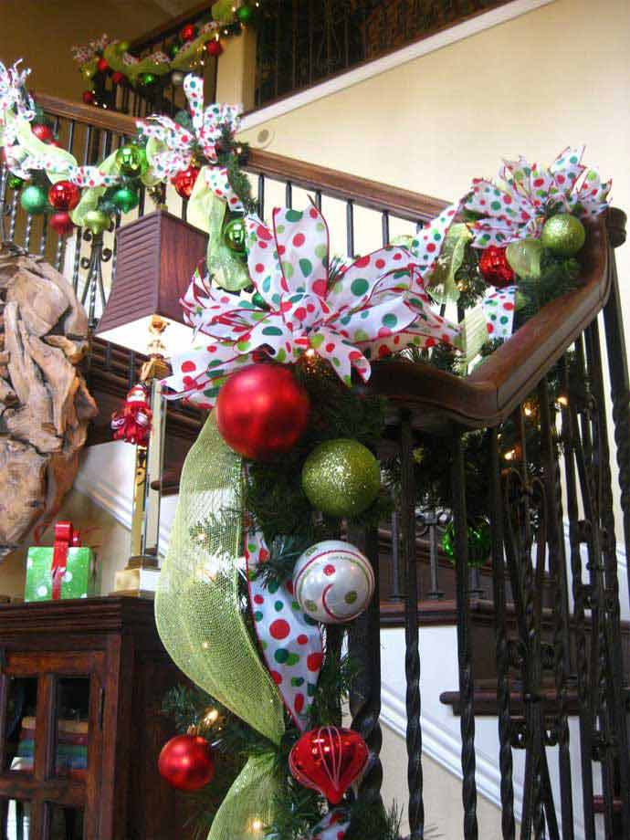 Christmas-Staircase-25