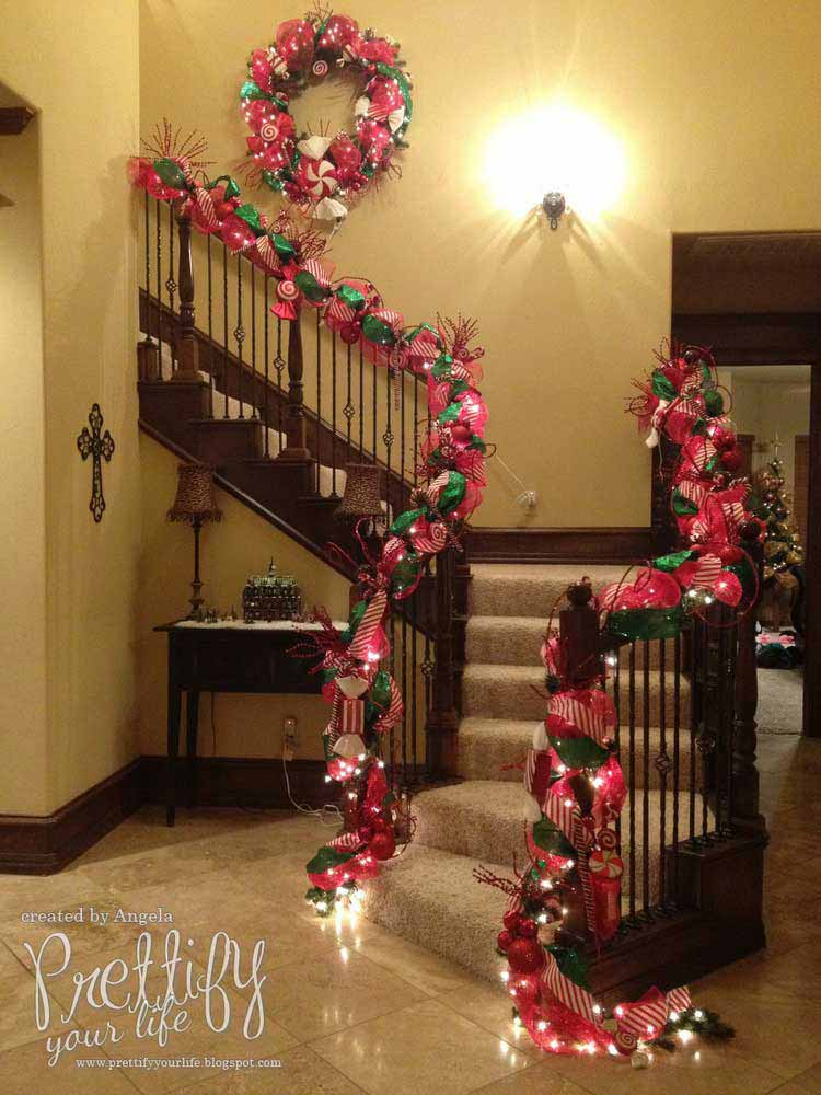 Christmas-Staircase-32