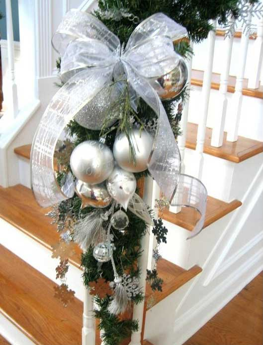 Christmas-Staircase-33