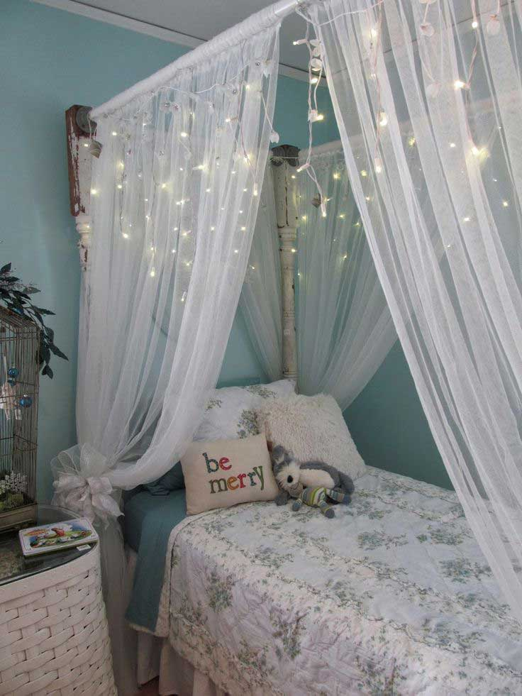 25 cute frozen themed room decor ideas your kids will love for Space themed curtains
