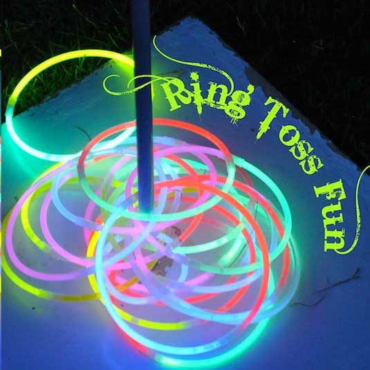 Glow-Sticks-Ideas-for-Kids-Parties-HDI-07