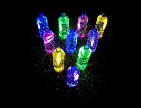 Glow-Sticks-Ideas-for-Kids-Parties-HDI-09