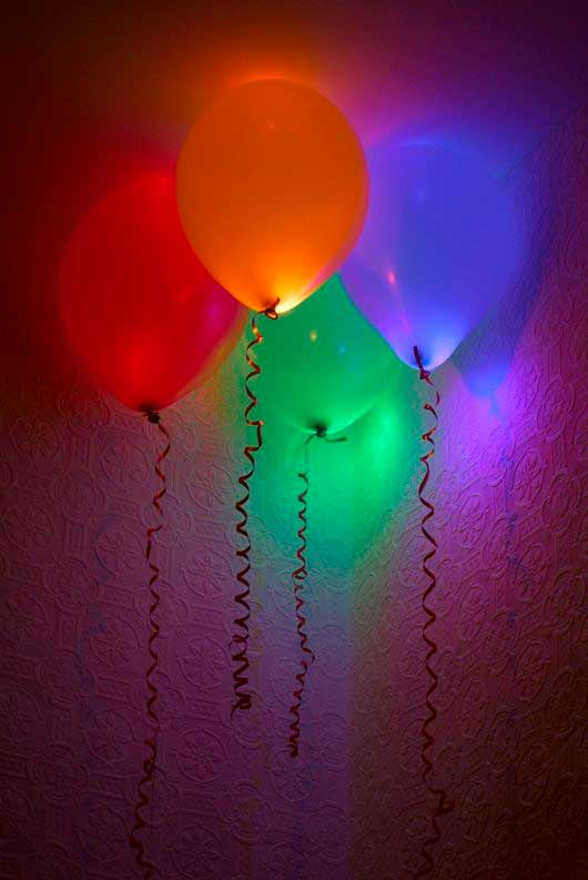 Glow-Sticks-Ideas-for-Kids-Parties-HDI-16