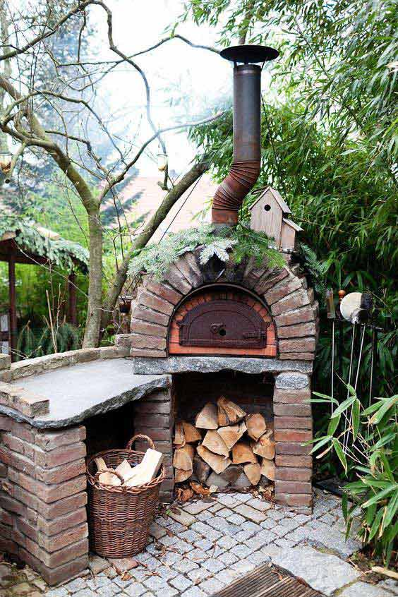 05-awesome-outdoor-oven-and-fireplace-HDI