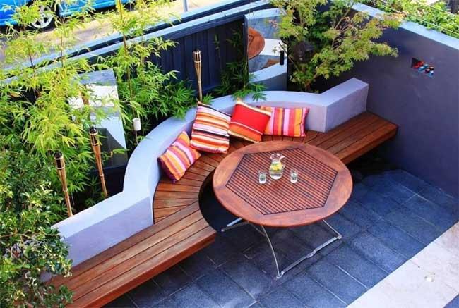 tiny-courtyard-1