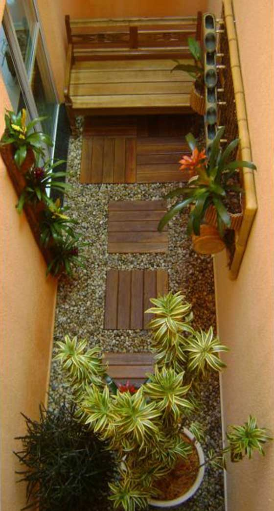 tiny-courtyard-16