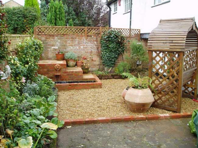 tiny-courtyard-21