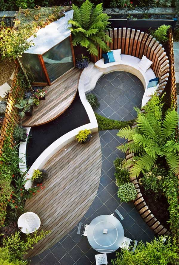 tiny-courtyard-22