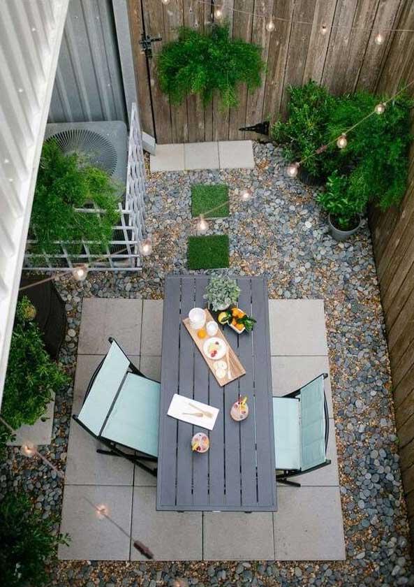 tiny-courtyard-5