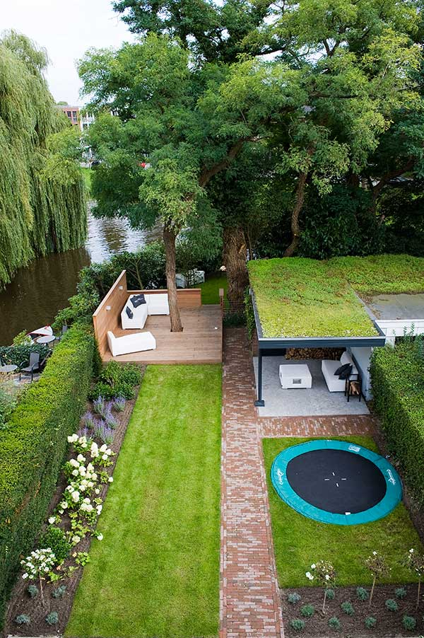 26 Fascinating Ideas for Tiny Courtyards with Big ... on Big Backyard Garden Ideas id=18862