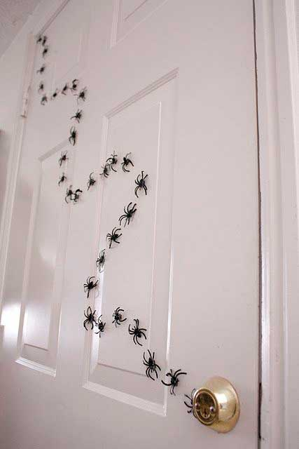 easy-and-cheap-halloween-projects-6_1