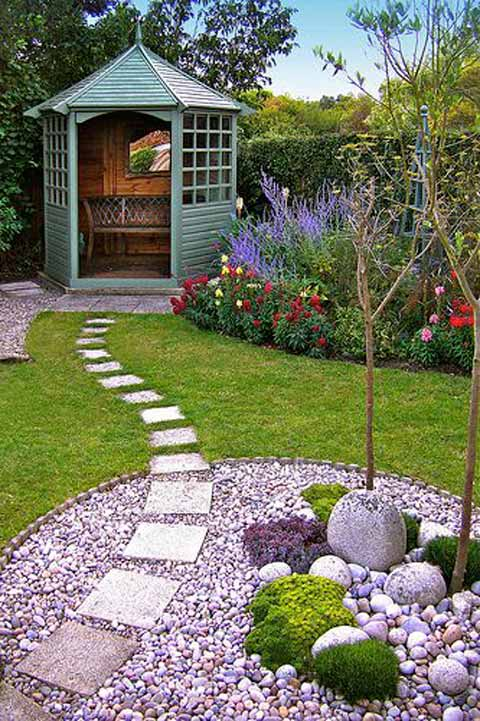 Lay Square Stepping Stones Over A Gr And River Rocks Garden Path