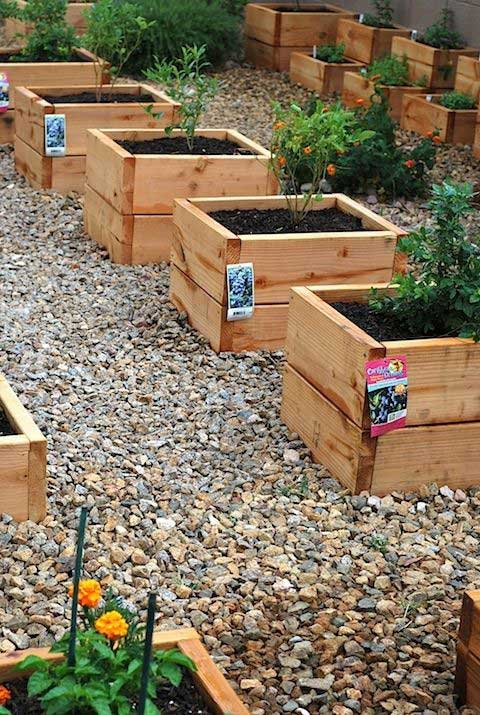 20 Truly Cool Diy Garden Bed And Planter Ideas