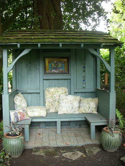 23 Easy-to-Make Ideas Building a Small Backyard Seating ... on Small Garden Sitting Area Ideas id=94009