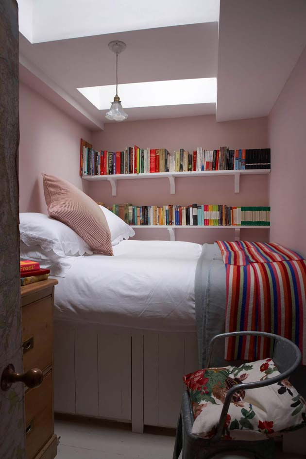 31 small space ideas to maximize your tiny bedroom Maximize a small bedroom