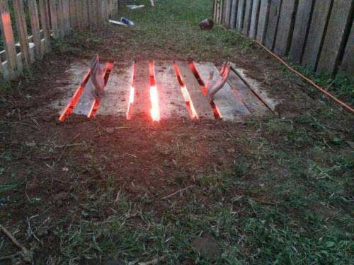 46 Cool Diy Outdoor Halloween Decorations Cheap Easy