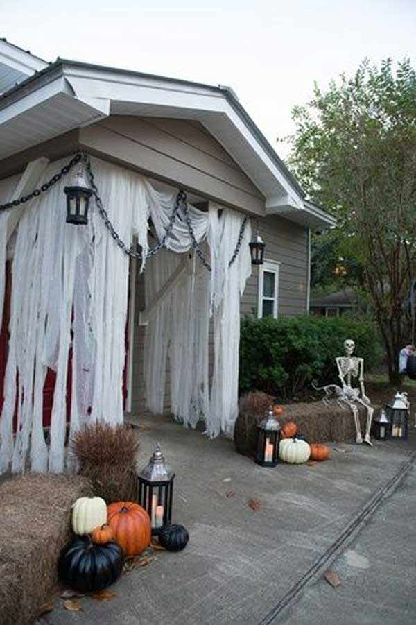 46 successful diy outdoor halloween decorating ideas nobody told you about homedesigninspired. Black Bedroom Furniture Sets. Home Design Ideas