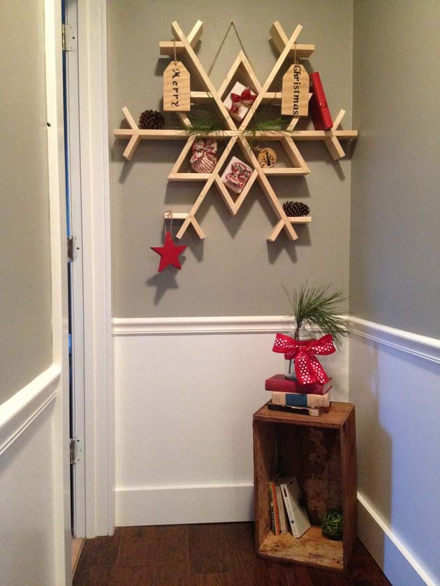 so if you want to add some rustic charm to your holiday decorating have a look at these 22 simple and beautiful diy reclaimed wood christmas decorating