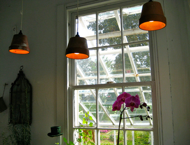 Turn Clay Pots Into Hanging Pendant Lamps