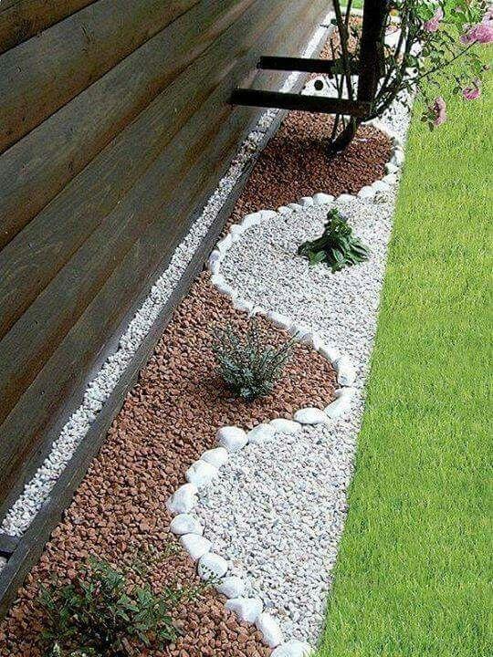 Decorative White Pebbles Lawn Border